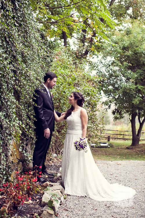 crossed keys autumn outdoor wedding 08